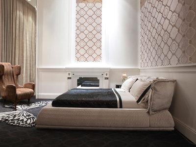 Куда поставить кровать в спальне