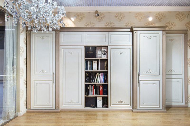 Итальянский книжный шкаф  фабрика BERNAZZOLI