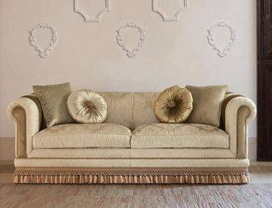 Итальянская мягкая мебель Leopardi Classic Home фабрики Epoque Treci Sallotti