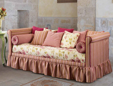 Итальянская мягкая мебель Victoria Country Collection фабрики Epoque Treci Sallotti