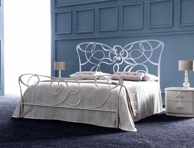 Итальянская кровать IRIS фабрики CORTEZARI