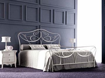 Итальянская кровать LEILA фабрики CORTEZARI
