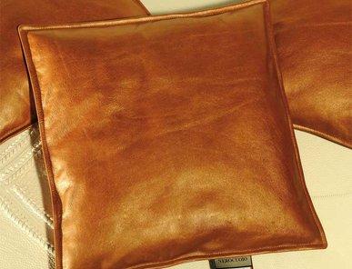 Подушки из кожи и меха фабрики NEROCUOIO