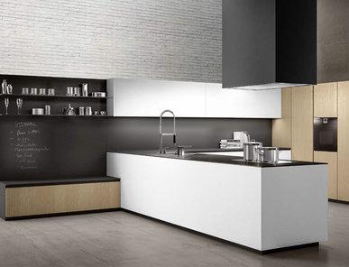 Итальянская кухня LINEA 02 фабрики COMPOSIT