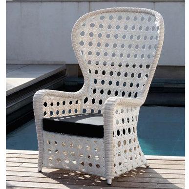 Испанское кресло с подушкой EMMANUEL фабрики COLECCION ALEXANDRA