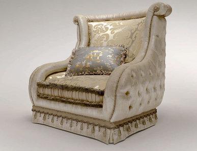Итальянское кресло CARLOS REGAL фабрики BRUNO ZAMPA