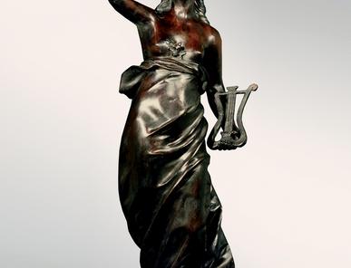 Итальянская бронзовая статуя Venus with lyra фабрики Fonderia Artistica Ruocco