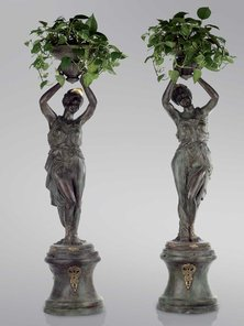 Итальянские бронзовые статуи Venus with flowerpot фабрики Fonderia Artistica Ruocco