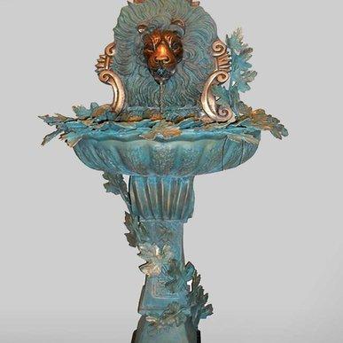 Итальянский бронзовый фонтан Lion фабрики Fonderia Artistica Ruocco