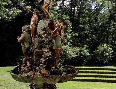 Итальянский бронзовый фонтан Neapolitain фабрики Fonderia Artistica Ruocco