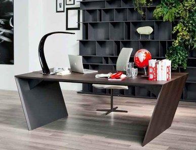 Итальянский письменный стол VEGA фабрики Cattelan Italia