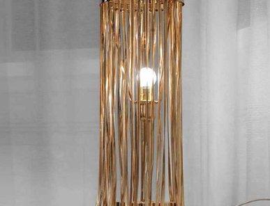 Итальянская настольная лампа Snake фабрики VISIONNAIRE