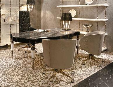 Итальянский письменный стол Versailles фабрики VISIONNAIRE