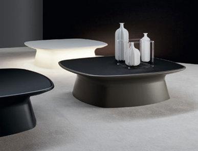 Итальянский столик Aura фабрики Bonaldo