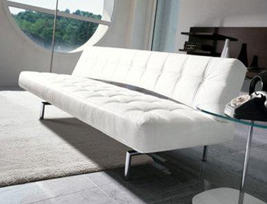 Итальянский диван Pierrot King фабрики Bonaldo