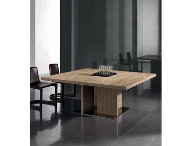 Итальянский стол TOULOUSE фабрики MINOTTI