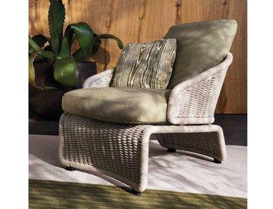Итальянское кресло HALLEY фабрики MINOTTI