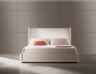Итальянская кровать LOVE LETTERS фабрики MALERBA