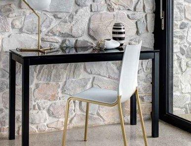 Итальянский стол-консоль MAGO фабрики BONTEMPI CASA