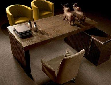 Итальянский письменный стол RED CARPET фабрики MALERBA