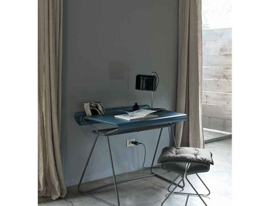 Итальянский письменный стол Taylor&Boss фабрики BONTEMPI CASA