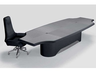 Итальянский стол V045 фабрики ASTON MARTIN