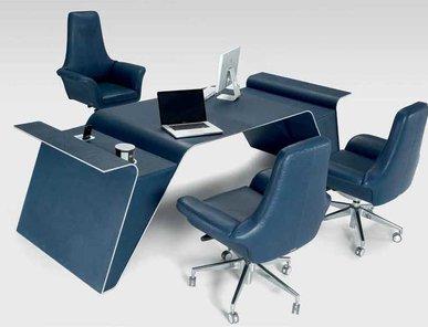 Итальянский письменный стол V093 фабрики ASTON MARTIN