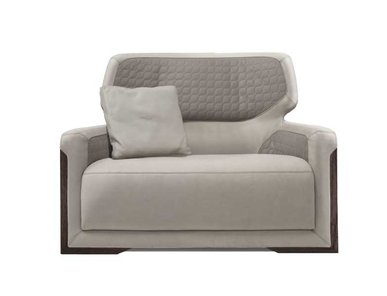 Итальянское кресло V128 фабрики ASTON MARTIN