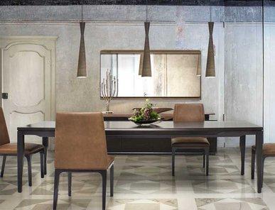 Итальянский стол V141 фабрики ASTON MARTIN
