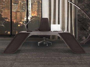 Итальянский письменный стол V004/B фабрики ASTON MARTIN