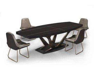 Итальянский стол V026 фабрики ASTON MARTIN