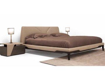 Итальянская кровать V147 фабрики ASTON MARTIN