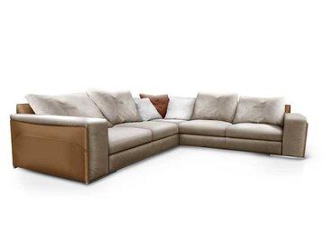 Итальянский диван V100 фабрики ASTON MARTIN