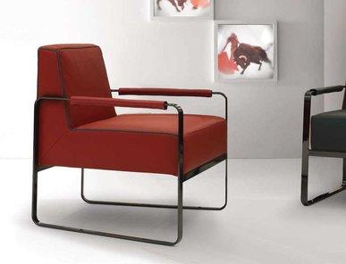 Итальянское кресло BERETO фабрики TONINO LAMBORGHINI