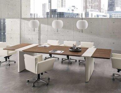 Итальянский стол для совещаний CROSSING фабрики I4 MARIANI