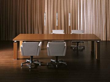 Итальянский стол для совещаний ARES фабрики I4 MARIANI
