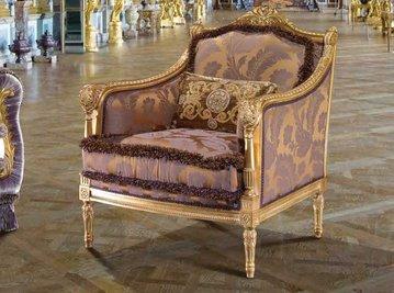 Итальянское кресло PRAGA фабрики EGIDIO LUNARDELLI