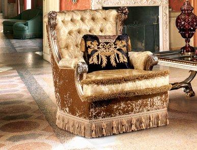Итальянское кресло VENICE ROYAL фабрики EGIDIO LUNARDELLI