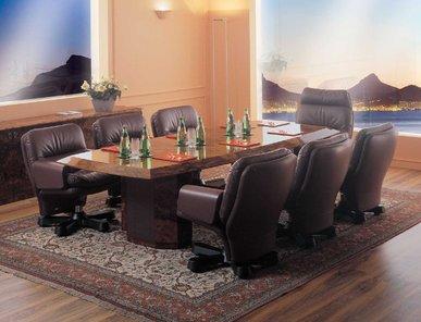 Итальянский стол для переговоров PRIVELEGE фабрики R.A. MOBILI S.P.A.