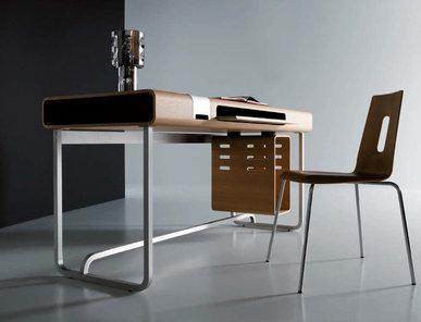 Итальянский письменный стол VU.VU.VU фабрики EMMEMOBILI