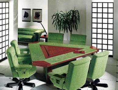 Итальянский стол для переговоров SIRIO фабрики R.A. MOBILI S.P.A.