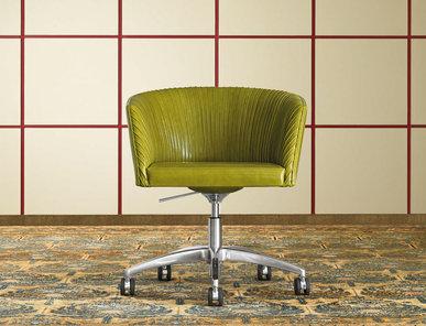 Итальянское кресло VITOR фабрики MASCHERONI