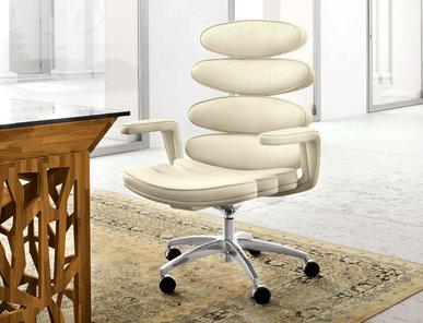 Итальянское кресло AIRONE фабрики MASCHERONI