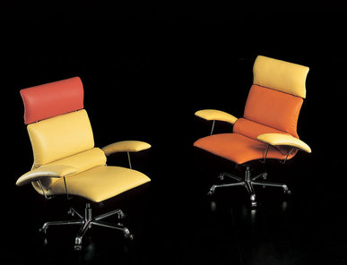 Итальянское кресло Olympic studio фабрики IL LOF