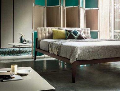 Итальянская кровать Theo фабрики Lema