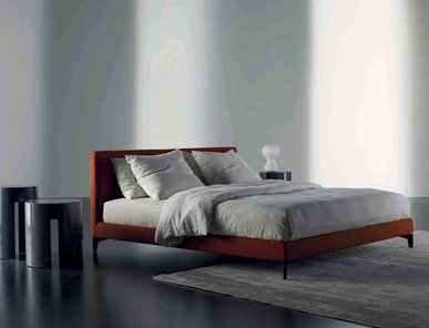 Итальянская кровать STONE UP  фабрики MERIDIANI