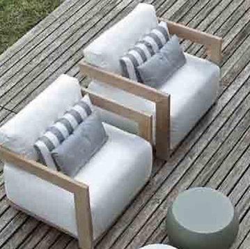 Итальянское кресло CLAUD  фабрики MERIDIANI