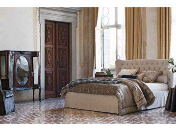 Итальянская кровать Tommy Capitonnè con gonna фабрики TWILS