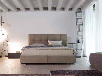 Итальянская кровать Max Capitonnè basso taglio vivo фабрики TWILS