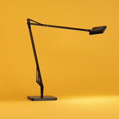Итальянская настольная лампа KELVIN EDGE фабрики FLOS